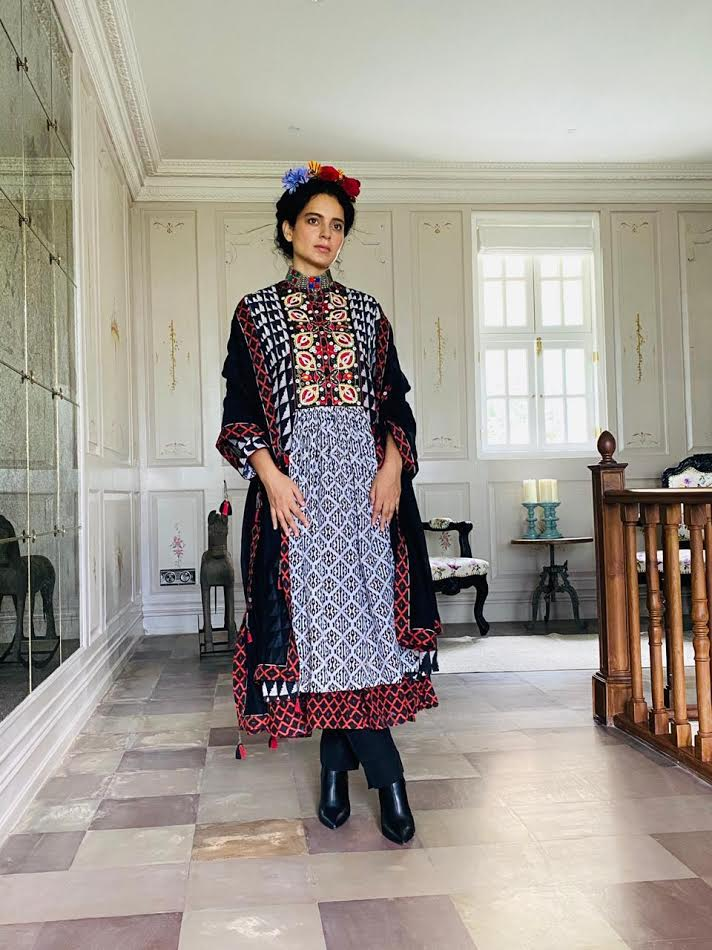 Bollywood Queen Kangana Ranaut celebrated Rakhi in her free spirited style wearing Saundh!