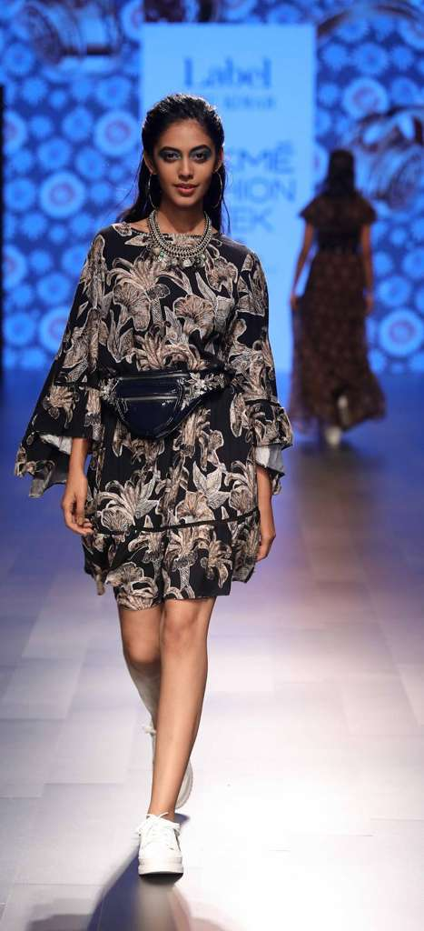 Label Ritu Kumar Brought The Breezy Hip Hop Baroque 90 S