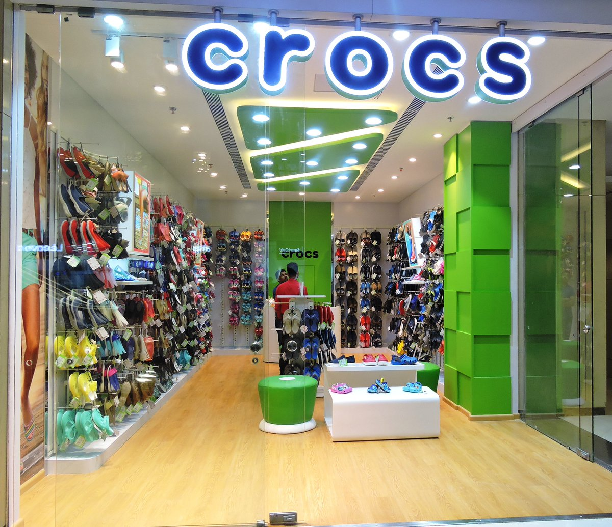 Footwear brands in mumbai