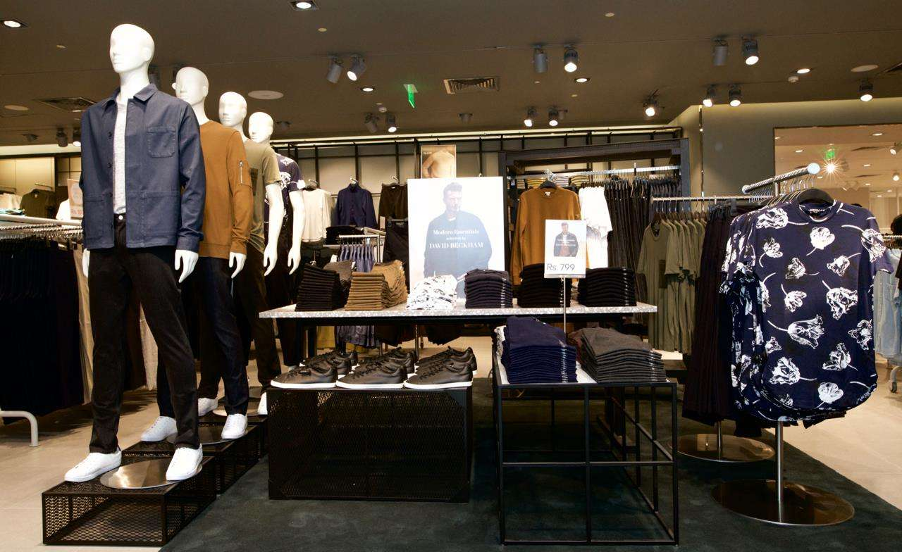Use our site to find the H&M locations near San Antonio. Listings of store hours, telephone numbers, addresses and online coupons for the H&M in San Antonio, TX.
