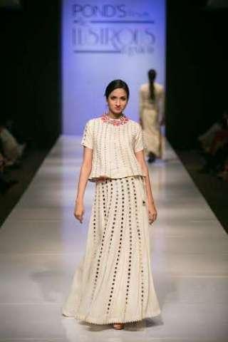 Purvi Doshi Brings Her Latest Khadi Collection To Mumbai