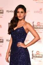 Amyra Dastur Donning Diamond Earrings by ANMOL at Filmfare Awards Night