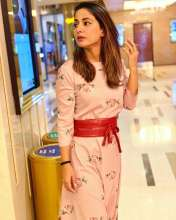 Hina Khan looks all floral and all cute in Pasha India outfit!