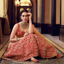 Actress Aditi Rao Hydari, an effervescent and a versatile style icon featured in KALKI Fashions!