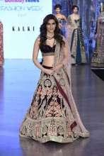 Kriti Sanon - Kalki's Runway Wedding Collection Launch at Santacruz Flagship Store