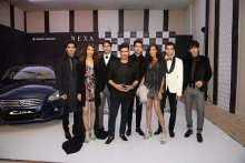 Manish Malhotra alongwith the models at the preview of his showcase for NEXA presents Manish Malhotra at LFW WF 2017