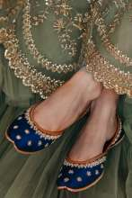 Pastels and Pop has collaborated with designer Anushree Reddy to create an aesthetic collection of well-crafted Juttis