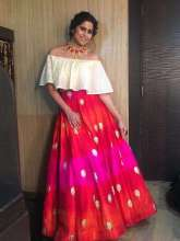 Actress Sai Tamhankar was seen wearing Designer Smitasha and Just Jewellery at a reality show MAD 2 on Colours TV.