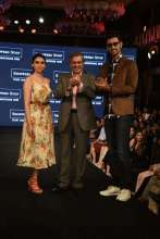 India's budding fashion talent & Bollywood's finest fashion icons shine at Shoppers Stop Designer of The Year Awards 2017