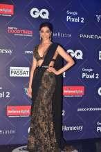 Deepika Padukone at the Red Carpet of Van Heusen + GQ Fashion Nights 2017- Day2